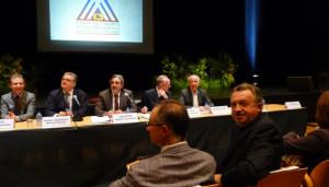 Jean-Noël Guérini peut se féliciter (à droite). L'opposition des maires du département au projet de métropole intégrée renforce son pouvoir en tant que président du Conseil général des Bouches-du-Rhône. (Photo J-F. E.)