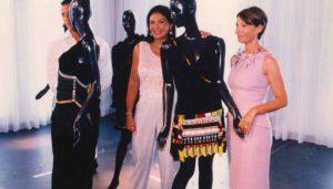 Mouna Ayaoub et Maryline Vigouroux au musée de la mode en 1999 à Marseille. La scénographie de l'exposition était signée Rudy Ricciotti (Photos DR)