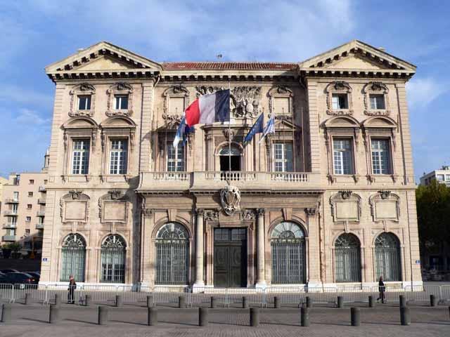 Marseille suivez le conseil municipal en direct les - Piscine municipal marseille ...