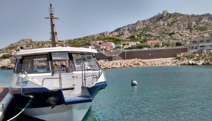 Retour des navettes maritimes menant aux goudes la - Navette vieux port pointe rouge marseille ...
