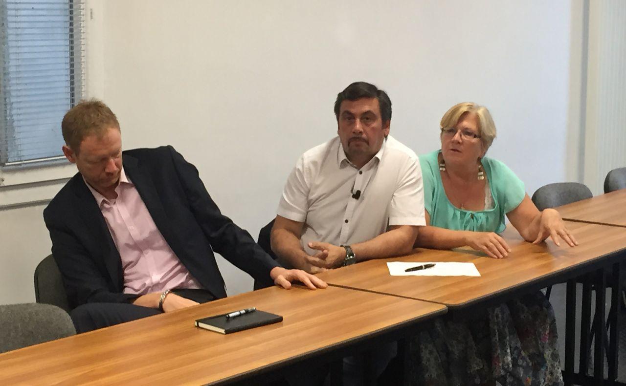 En Marche! et La France insoumise en campagne — Législatives