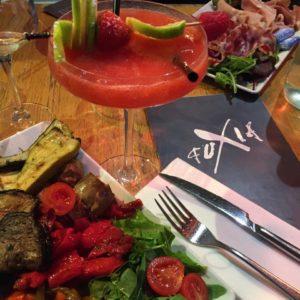La table du Fuxia, on y mange très bien dans une bonne ambiance (Photo EM)