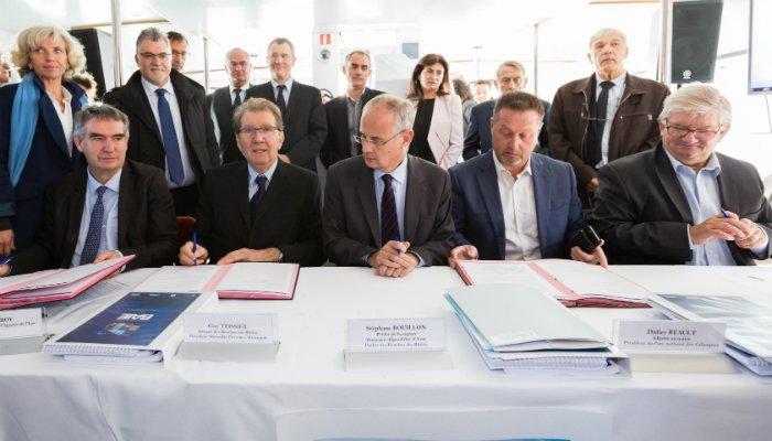 Signature du contrat de baie de la métropole marseillaise. crédit : David Girard2015