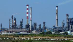 Pollution : le préfet met la pression sur les industriels de la pétrochimie de Berre