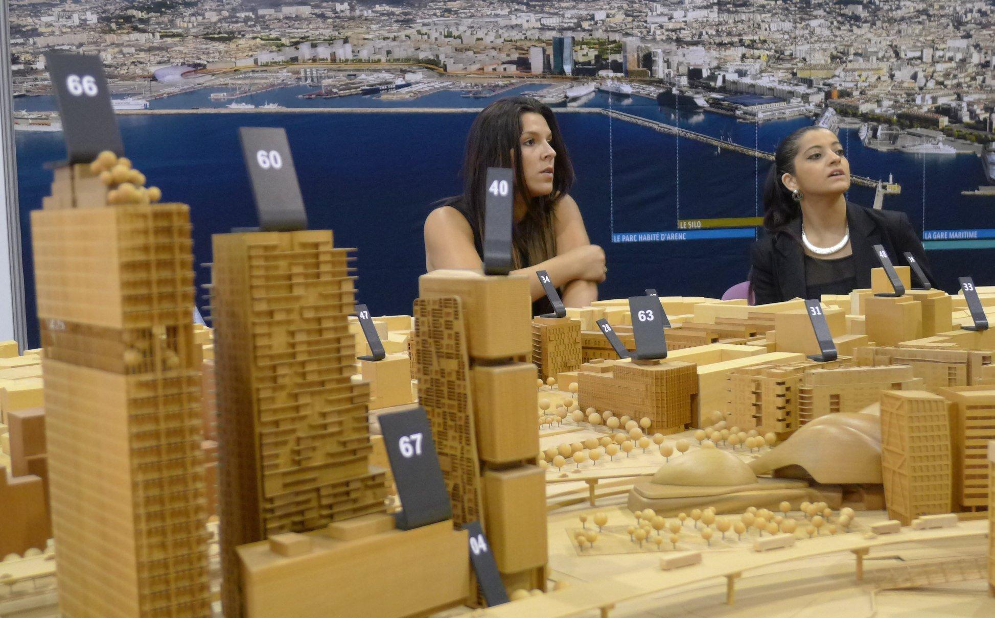 Immobilier d 39 entreprises marseille drague les for Salon immobilier entreprise