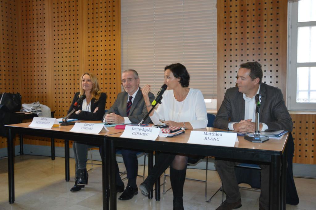 De g à droite: Sabine Bernasconi, Gérard Chenoz, Laure-Agnès Caradec et Matthieu Blanc présentent le projet