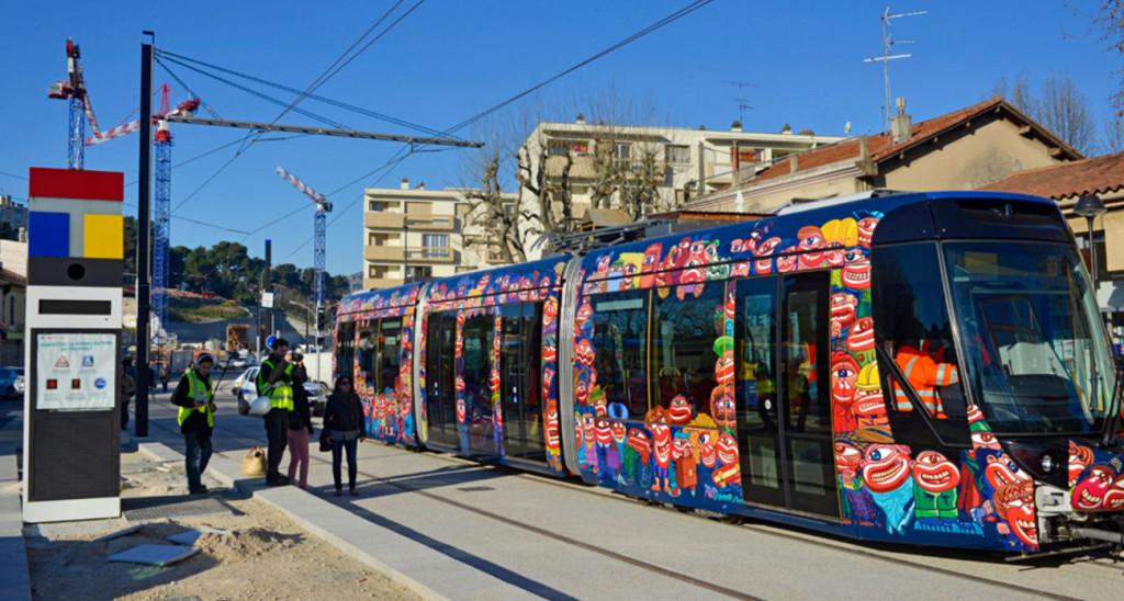 Le tramway d'Aubagne lors de son inauguration en 2014. (Photos de Marc Munari. capture écran aubagne.fr)