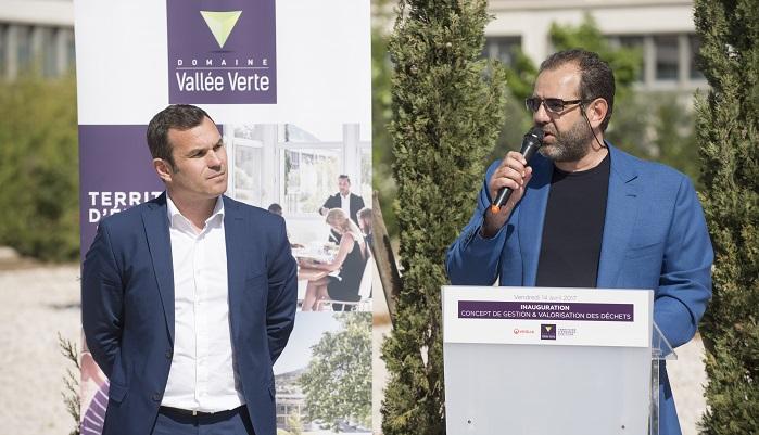 Yvan Gouchon, propriétaire du Domaine Vallée Verte, aux côtés de Julien Ravier lors de l'inauguration