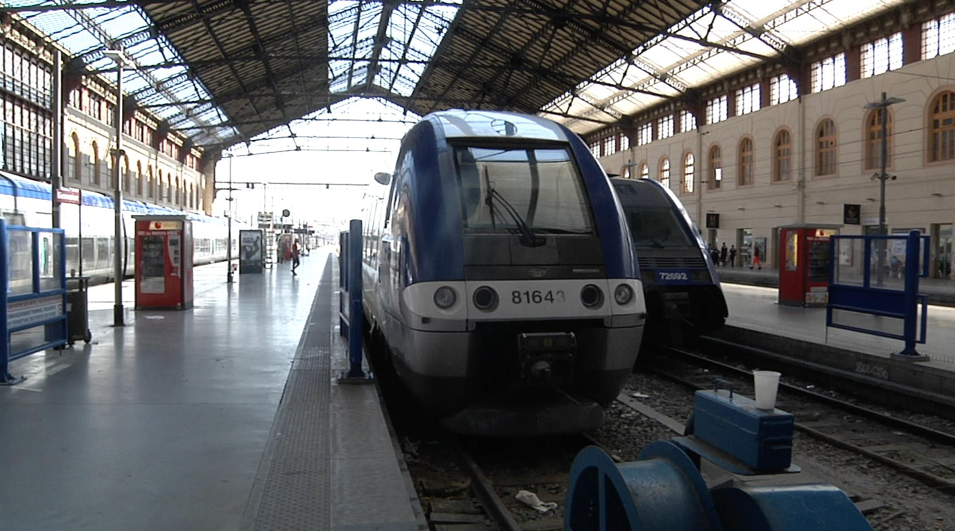 transport 20 de trains en plus sur la ligne intercit s. Black Bedroom Furniture Sets. Home Design Ideas