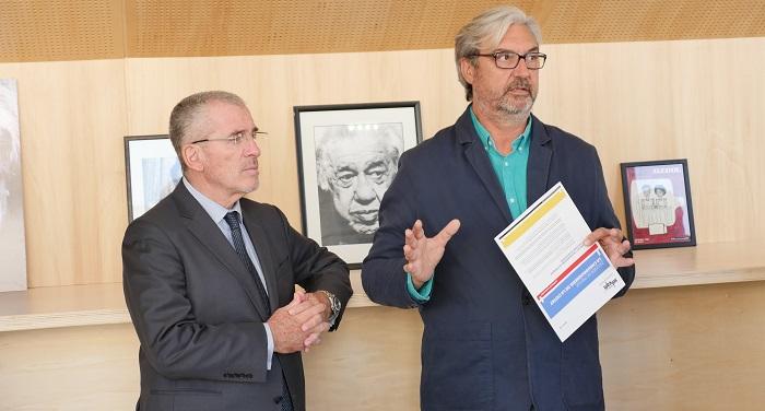 Patrick Boré, maire de la Ciotat, et Grérad Chenoz, président de la Soléam, présentent le projet de la chaudronnerie