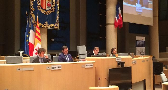 Philippe Tabarot (Conseil Régional), Joan Amoros (Ferrmed) et Christine Cabau-Woehrel (GPMM) ont signé une déclaration commune pour développer le transport régional