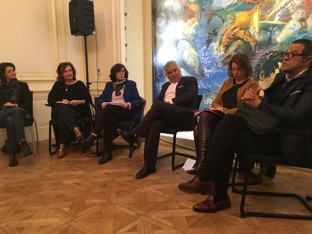 La réunion organisée au château Ricard s'est déroulée en présence des député(es) LaRem, Claire Pitollat et Cathy Racon-Bouzon, le député MoDem, François-Michel-Lambert ainsi que Miloud Boualem, président du Modem 13. Photo: N.K.