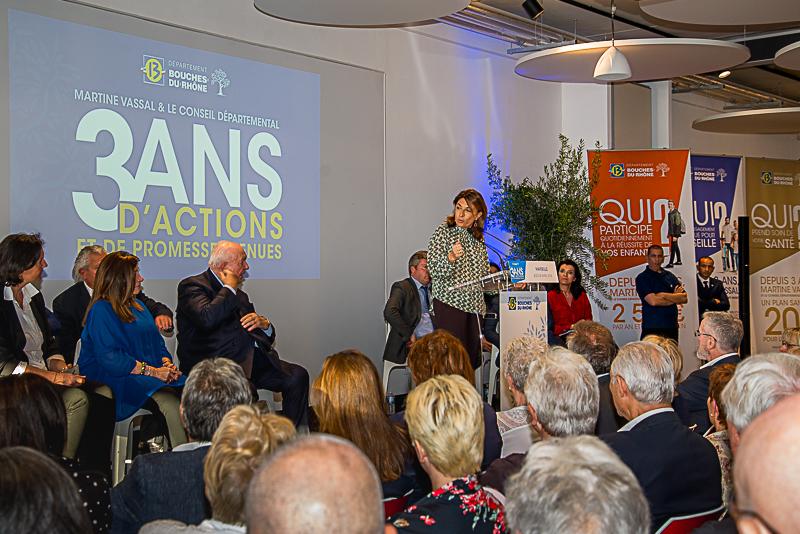 A mi-mandat, Martine Vassal a entamé une tournée départementale de dix réunions pour présenter le bilan des actions menées avec son équipe depuis son élection à la tête de l'institution. Photo Jean-Yves Delattre.