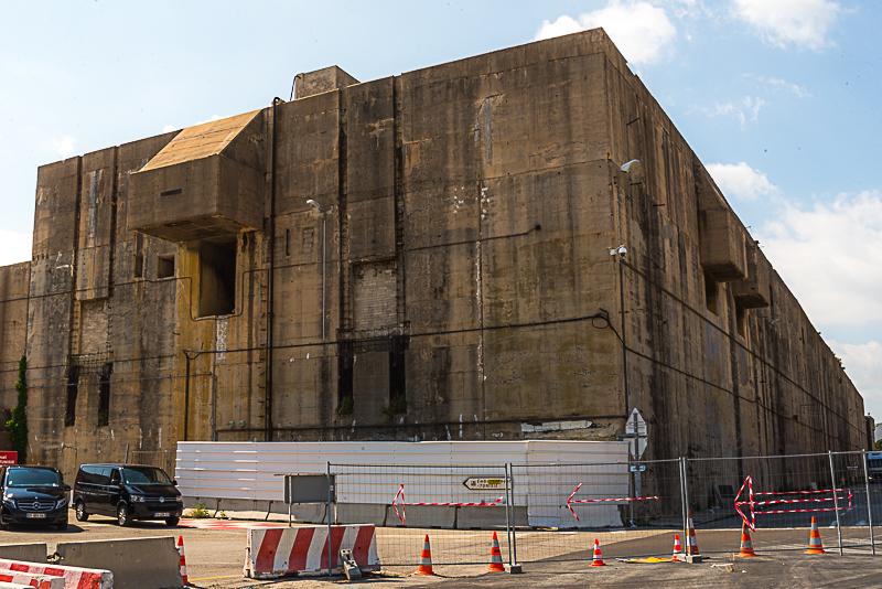 Interxion a investi 130 millions pour réhabiliter une ancienne base de sous-marins. Photo Jean-Yves Delattre.