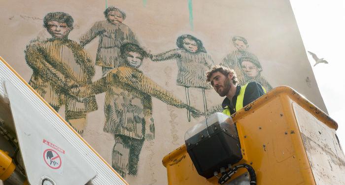 Retrouvez l'artiste Gütan et sa réalisation rue des 3 Mages