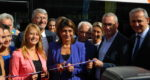 Sabine Bernasconi, Martine Vassal & Jean-Pierre Serrus ont inauguré la renforcement de la ligne 50 Marseille-Aix avec des bus à double étage. © Sophie Pironnet.