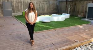 Laurence Olivier, la directrice de Marseille Innovation, sur la terrasse de la nouvelle pépinière