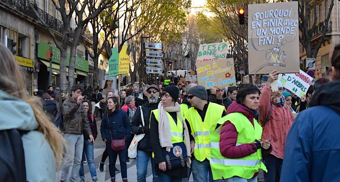 marche-pour-le-climat-gilets-jaunes-verts-marseille