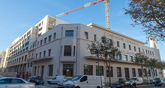 Le Castel situé en bas du boulevard des Dames est l'ancien siège de la SNCM
