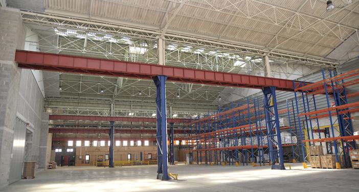 La plus grande salle de tournage de Provence Studio s'étend sur 2 400 mètres carrés