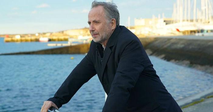 Fabrice Luchini dans la peau d'un critique littéraire - enquêteur ©Gaumont