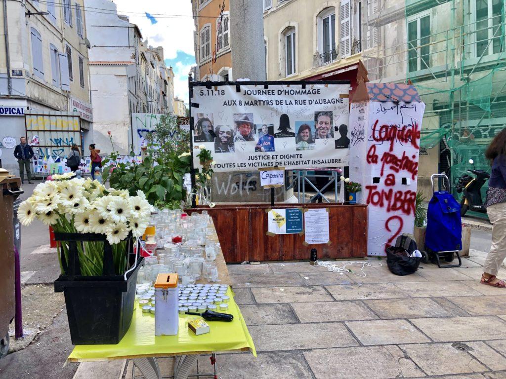 Autel en souvenir aux huit victime de la rue d'Aubagne.