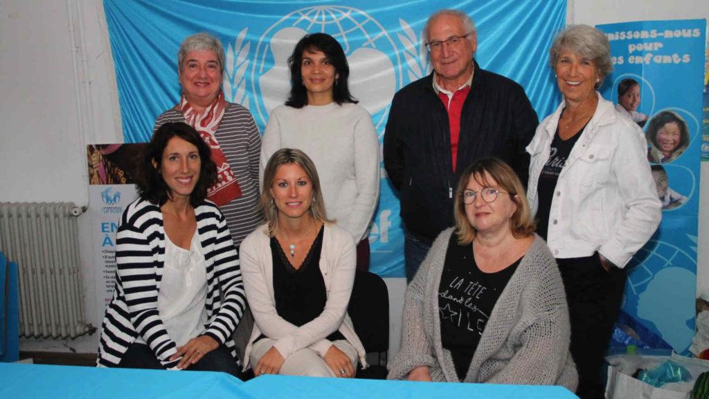 Emmannuelle Hartmann (au 1er rang à gauche) avec les bénévoles de l'Unicef Aix