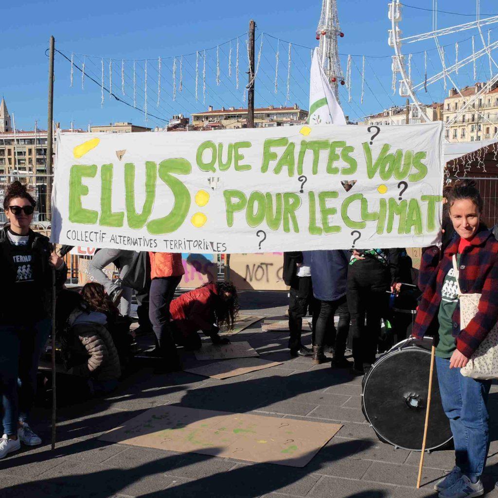 Manifestation d'Alternatiba au Vieux Port de Marseille