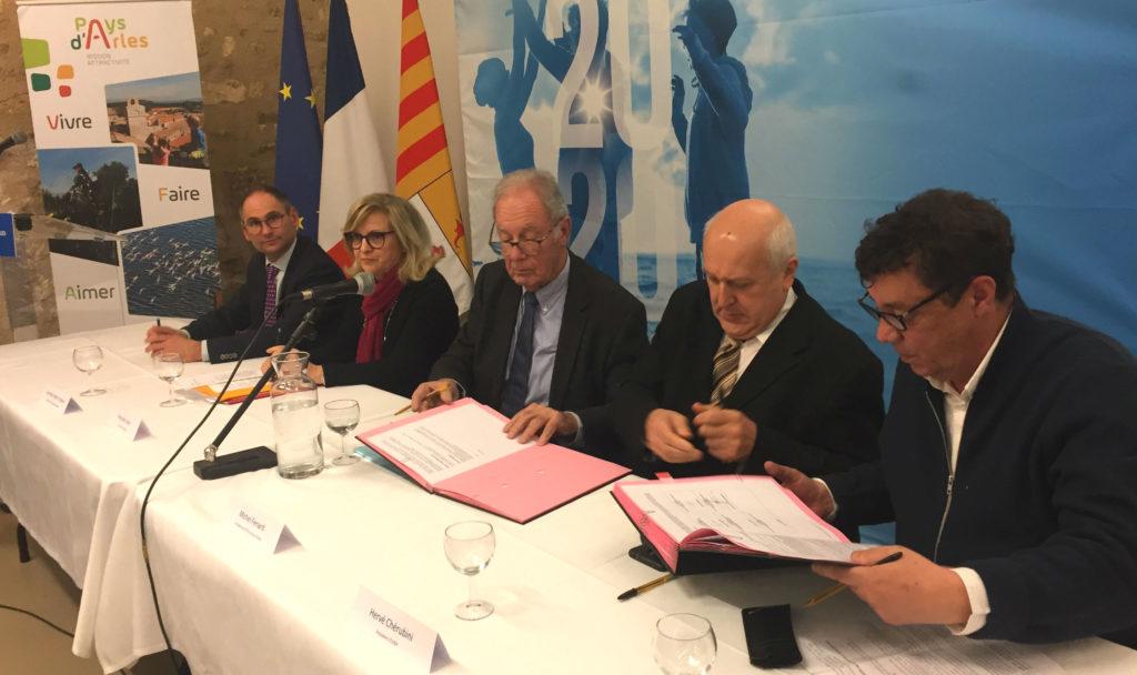 Le Pays d'Arles est le premier territoire régional à signer la 2e vague de CRET (Photo Gomet').