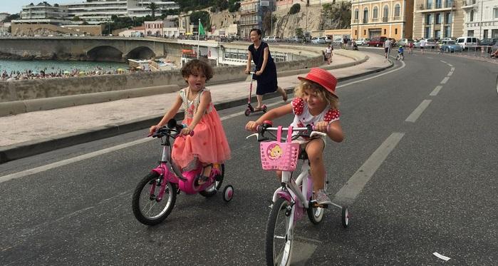 Lors de la journée sans voitures organisée par le collectif Vélos en ville en 2015 (Crédit archives Gomet')
