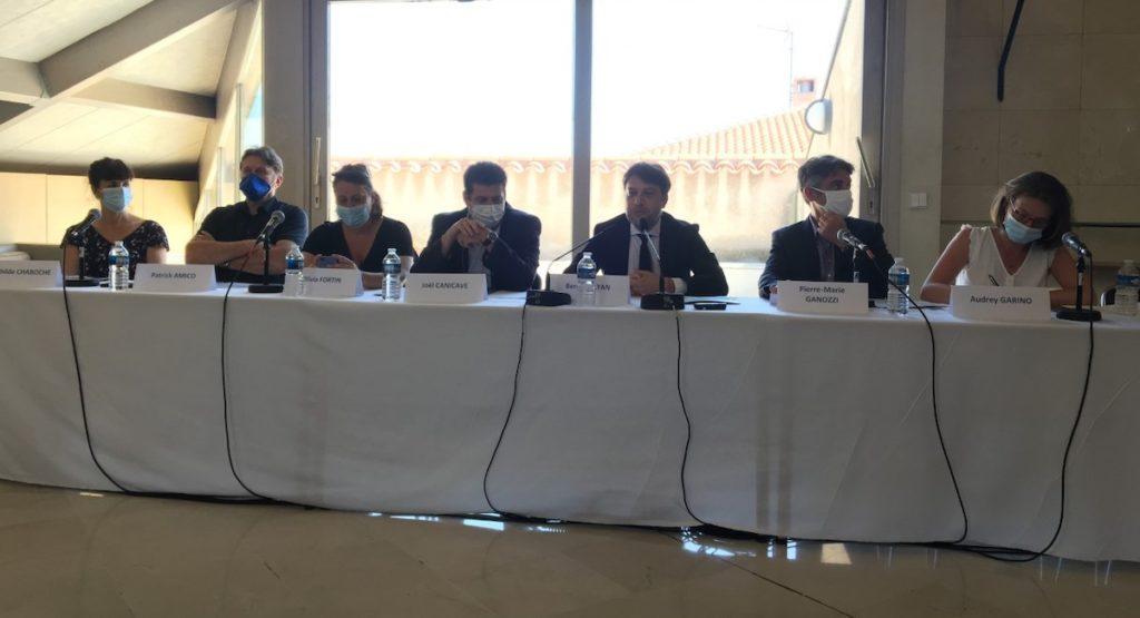 La nouvelle équipe municipale a organisé une conférence de presse à l'hôtel de Ville jeudi 23 juillet pour expliquer sa stratégie en vue du conseil municipal de lundi (Crédit RM)