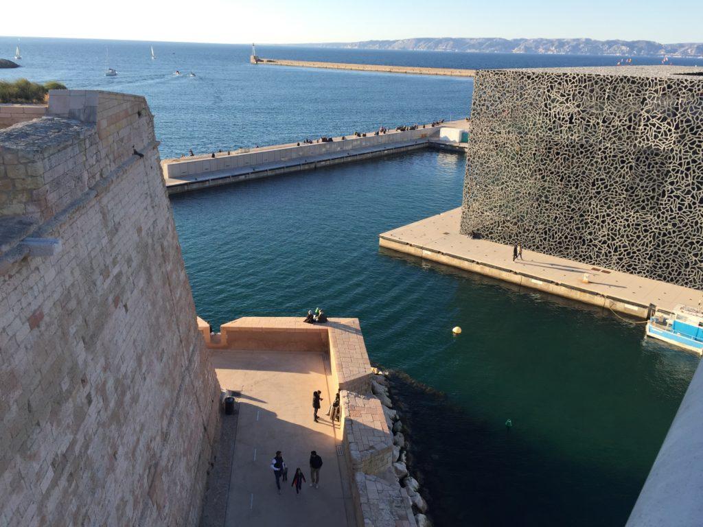 Les bassins autour du Mucem... futurs lieux de baignade ? (Crédit Gomet'/JFE)