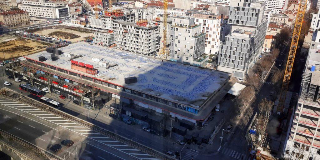 Le Dock des Suds est aujourd'hui entouré par les programmes immobiliers d'Euroméditerranée (Crédit RM)